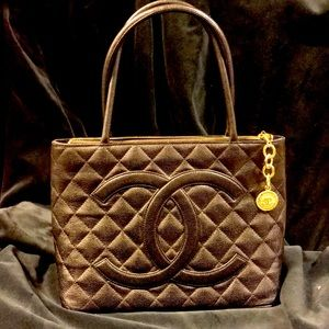 Chanel look caviar black & gold vintage style tote